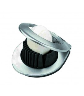 Double egg cutter use of Lacor